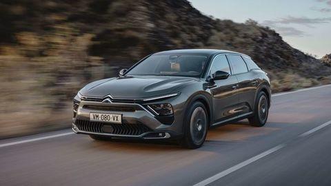 """Nový Citroën C5 X oficiálne: Vsádza na dizajn, """"zmes"""" karosérií a technológie"""