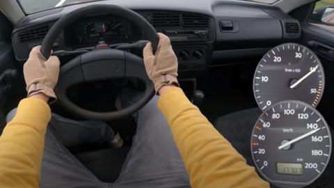 Starý Golf 1.9 D 47 kW s nájazdom 1 100 000 km skúša maximálku na nemeckej diaľnici (VIDEO)