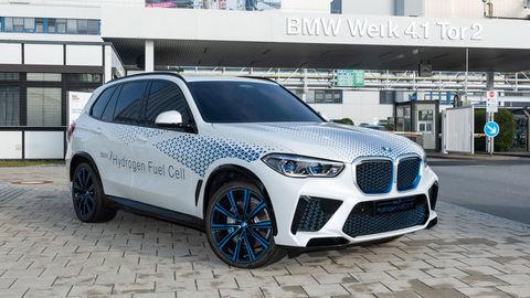 Aj BMW verí vodíkovému pohonu. V roku 2022 bude predávať vodíkové BMW X5