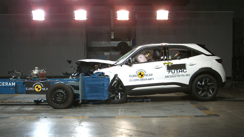 Hyundai Genesis G80 crash test euroncap