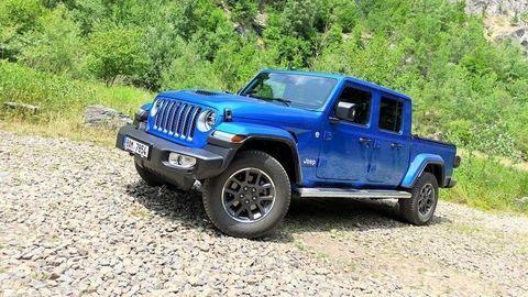 """TEST Jeep Gladiator 3.0 V6 CRD: Drsný pracant aj štýlovka """"hore bez"""""""