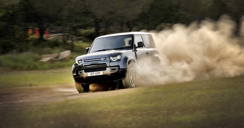 Land Rover Defender V8 test