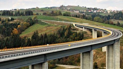 Diaľnica D3 Svrčinovec - Skalité je zatvorená. Kvôli údržbe aj filmárom...