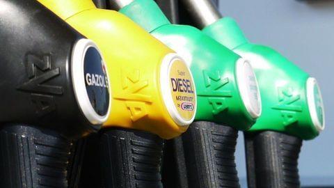 """Ceny palív by o pár týždňov mali klesnúť. Kvôli """"Delte"""" a konci motoristickej letnej sezóny"""