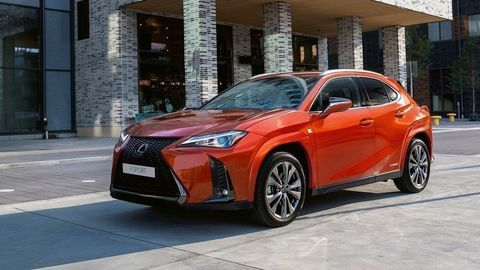 Lexus vylepšil kompaktný model UX