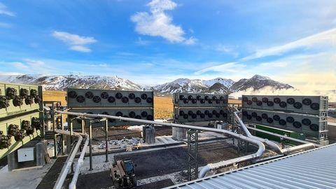 """Orca: Na Islande spustili zatiaľ najväčšiu """"odsávačku"""" CO2 zo vzduchu"""