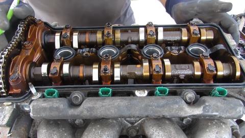 Takto dopadol motor Toyoty Prius po 500 000 km. Je pred smrťou alebo zvládne ešte raz toľko? (VIDEO)