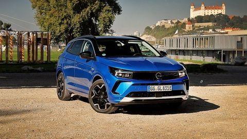 Opel Grandland 2021 facelift: S novou tvárou dostal aj LED matrix svetlá a nočné videnie (VIDEO)
