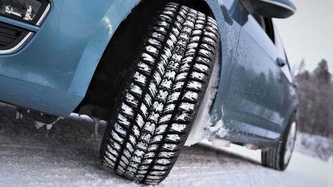 Test zimných pneumatík 2021/2022 rozmeru 195/65 R15: Veľké rozdiely hlavne na vode