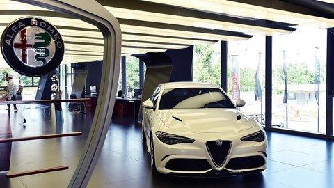Motoring: Alfa Romeo Giulia naživo, nový Ford S-Max v prvej jazde a Kia Rio