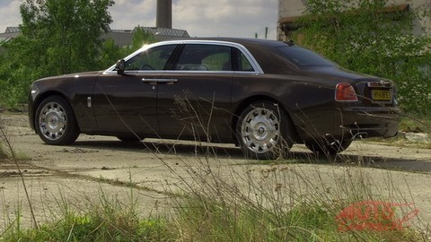 Rolls Royce Ghost: Al Caponeho vodič by si pochvaľoval