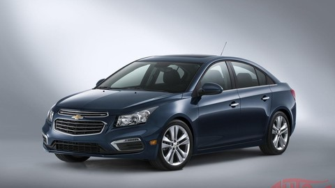 Dvakrát nový Chevrolet Cruze: facelift a druhá generácia