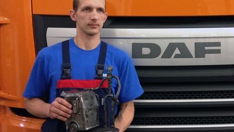 Mechanik roka DAF 2013