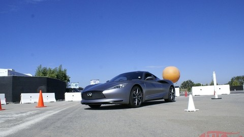 Za volantom superšportu s hybridným pohonom