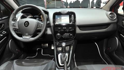 Motoring: Renault Captur, Honda Civic 1.6 i-DTEC, Chevrolet Corvette a Alfa Romeo 4C