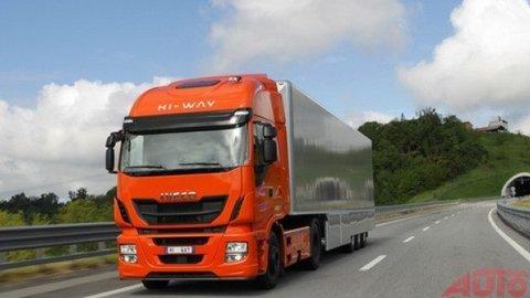 """Titul """"Truck roka 2013"""" pre Iveco Stralis Hi-Way"""