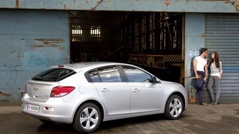 Chevrolet Cruze HB: Revolúcia pokračuje