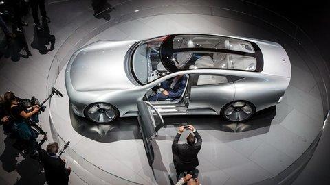 Motoring: Alfa Romeo Giulia, Suzuki Baleno, Nissan Navara a novinky Citroen a Mercedes - Benz