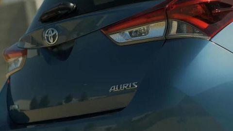 Toyota Auris 1.2 Turbo vs. Seat Leon 1.2 TSI