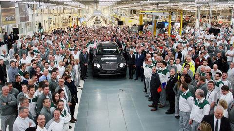 Bentley Bentayga už vyrábajú. Prácu získalo aj sto Slovákov