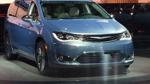 Za nový Chrysler Pacifica by sa nehanbila ani Lancia