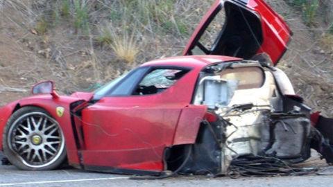 Ťažko havarované Ferrari Enzo zachránil samotný výrobca