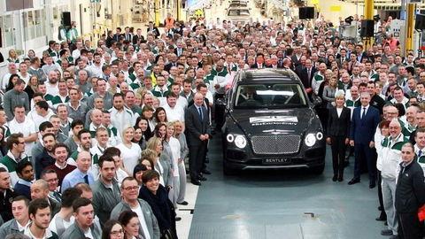 Prvý Bentley z Bratislavy prvému zákazníkovi