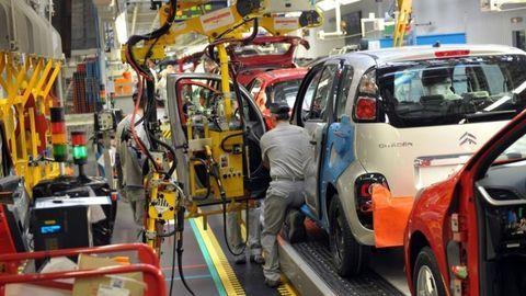 Trnavský závod PSA Peugeot-Citroën prejde na štvorzmennú prevádzku