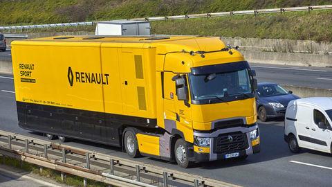 Renault Trucks T vo farbách Renault Sport