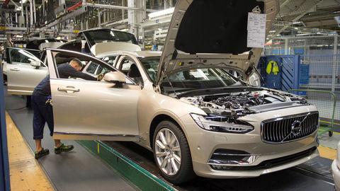 Volvo V90 už začali vyrábať