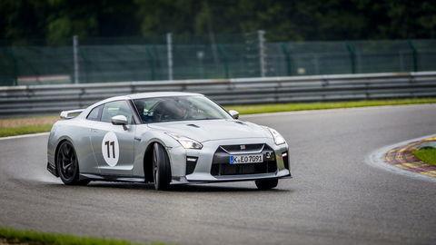 Nissan GT-R: S Godzillou na vode v belgickom Spa