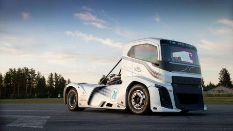 Ťahač Volvo vytvoril 2 svetové rekordy
