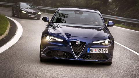 Hliníkový duel: Alfa Romeo Giulia 2.2 MultiJet vs. Jaguar XE 2.0 D