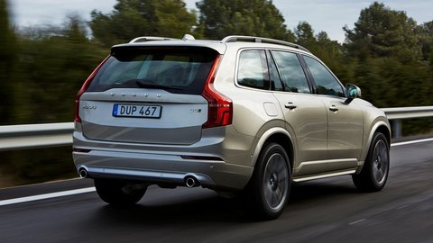 Volvo XC90 D5: Dokonalý zážitok kazia otrasy veľkých kolies