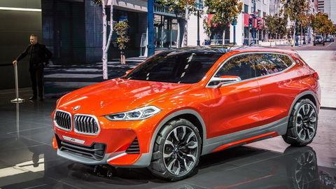 Paríž 2016: BMW X2 a Mitsubishi GT-PHEV concept