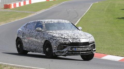 Športovo-úžitkový Lamborghini Urus testujú na Nürburgringu