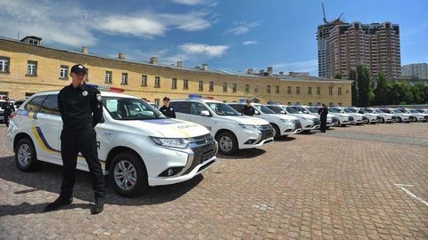 Mitsubishi dodalo Ukrajine flotilu Outlanderov