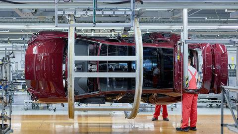 Prvé kombi od Porsche už vyrábajú. Výborne vyzerá auto aj fabrika
