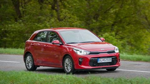 Motoring: Kia Rio atmosféra vs turbo, Peugeot 308 a Nissan X-Trail po facelifte