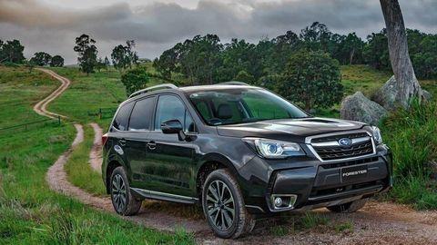 Motoring: Mini Countryman, Subaru Forester a europske tahace