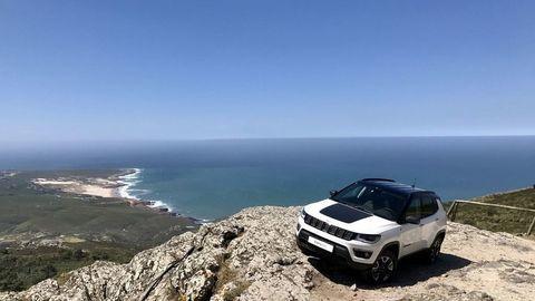 Motoring: Najuniverzálnejšie SUV Jeep Compass, Volkswagen T-Roc a benzínový Mitsubishi Outlander