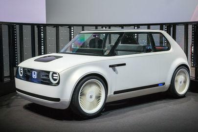 Elektrická Honda je moderná aj retro, o dva roky bude v predaji