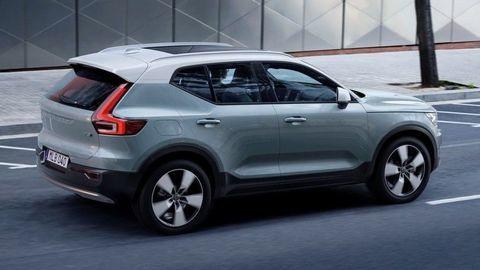 """""""Malé"""" Volvo XC40 oficiálne, boduje najmä priestorom"""