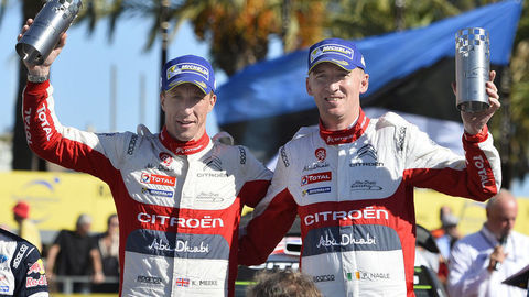 V Španielsku vyhral Kris Meeke, Sébastien Ogier je bližšie k titulu