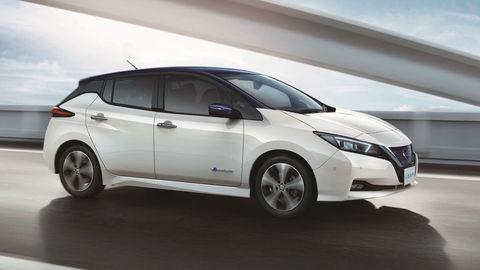 Elektromobil Nissan Leaf ide na dračku
