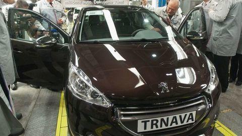 Peugeot bude v Trnave vyrábať elektromobily, namiesto motorov