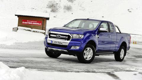 Hattrick Forda vsektore úžitkových vozidiel
