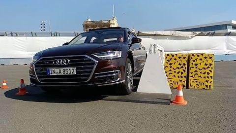 Motoring: Audi A8 a jeho ďalšie vychytávky, offroad trial Valča a druhá časť porovnania crossoverov