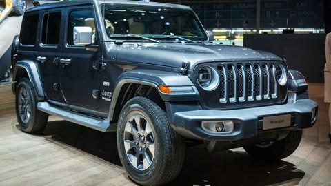 Jeep v Európe zavelil do útoku, predstavil Wrangler a Cherokee