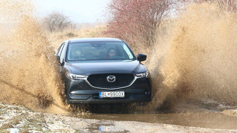 Motoring: Mazda CX-5 benzín verzus diesel a Škoda 4x4 v Laponsku